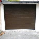 Rodinný dům ve Slaném,garážová vrata hnědá