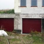 Rodinný dům v Žilině,dvoje garážová vrata mahagon